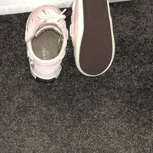 Sperry Shoes - Pink Sperrys size 4